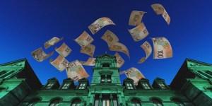 Qeveria lëshon frerët e shpenzimeve në 6-mujorin e parë, rritet presioni i borxhit
