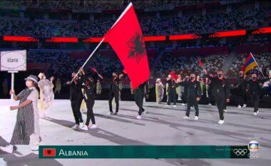 """Shqipëria parakalon në ceremoninë hapëse të Lojërave Olimpike """"Tokyo 2020"""" (FOTO LAJM)"""