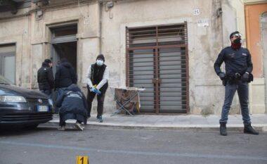 """""""E kisha krahun e djathtë"""", pensionisti në lot pas vrasjes së shqiptarit nga fqinji"""