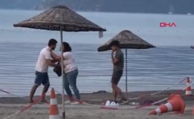 """Grushta e shkelma, gruaja i bën """"zborin"""" burrit në sy të miqve (VIDEO)"""