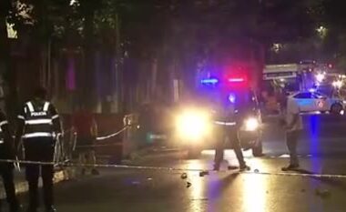 DETAJET/ U përplas nga dy makina njëra pas tjetrës në shpejtësi, vdes këmbësorja 50-vjeçare (VIDEO)