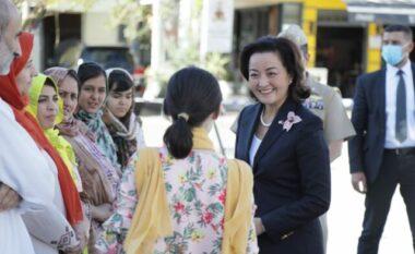 Yuri Kim takon afganët: Dëgjuam historitë e tyre në dritën e diellit, një vajzë më dhuroi lule (FOTO LAJM)