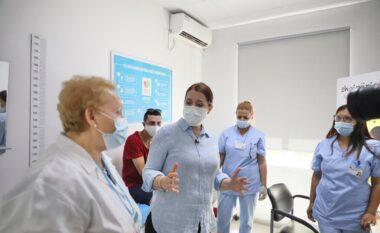 Vaksinimi masiv, Manastirliu: Fokusi te moshat e rrezikuara, por synojmë edhe studentët