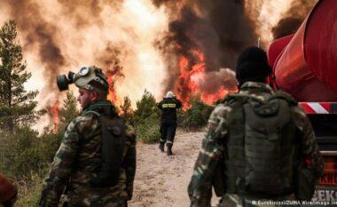Panik e luftë në Greqi: Policia po evakuon banorët e rrezikuar, disa nuk pranojnë të braktisin shtëpitë