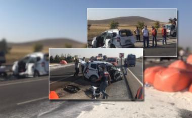 E FUNDIT/ Kamioni përplas makinën dhe shkakton tragjedi: 6 viktima e 2 të plagosur rëndë në Turqi (FOTO LAJM)