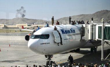 Vijon kaosi në Afganistan, 7 të vdekur dhe të shtëna me armë në aeroportin e Kabulit