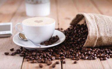 Si ta kuptoni se po pini më shumë se sa duhet kafe