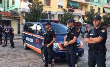 Përplasja e të rinjve me policinë në Elbasan, shoqërohen në komisariat disa persona