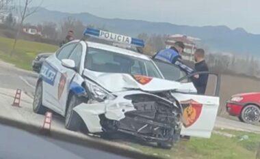 Aksident i frikshëm në Durrës! Mjeti merr përpara makinën e policisë, dy efektivë dërgohen me urgjencë në spital