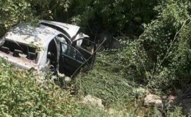 Aksident i frikshëm në Klos, makina me 5 familjarë përfundon në humnerë