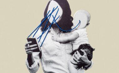 """""""E urrej celularin e mamit"""", letra e vogëlushit që duhet të bëjë të reflektojë çdo prind (FOTO LAJM)"""
