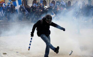 Tym dhe flakë! Agravon në dhunë protesta në Greqi, gaz lotsjellës ndaj protestuesve (FOTO LAJM)
