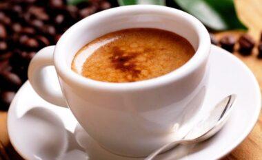 A duhet të pish kafe këtë mëngjes?