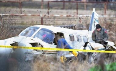 Rrëzohet avioni, ndërrojnë jetë 6 persona