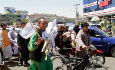 Mazar-i-Sharif bie në duart e talibanëve