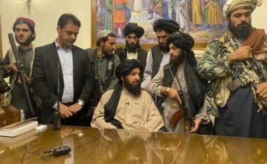Al Qaeda po përgatit rikthimin në Afganistan, terroristi i shumëkërkuar drejton faljen në Kabul (FOTO LAJM)