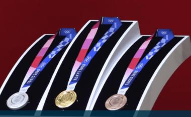 Këto janë vendet ë shpërblejnë me shuma të majme atletët që marrin medalje të artë (FOTO LAJM)