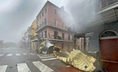 """Uragani """"Ida"""" gjunjëzon Luizianën, momenti kur shkul çatinë e spitalit (VIDEO)"""