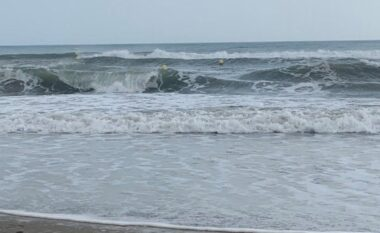 Stuhitë në Francë, mbyten 7 persona në detet e trazuara të Mesdheut