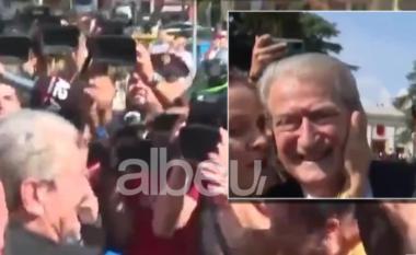 Gruaja puth Sali Berishën para Kuvendit: Jam shumëi prekur! (VIDEO)