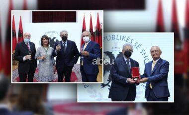 """Meta vlerëson Placido Domingon me titullin """"Kalorës i Urdhrit të Skënderbeut"""" (FOTO LAJM)"""