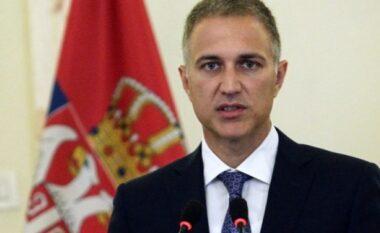 Ministri serb i Mbrojtjes refuzon thirrjet për de-përshkallëzim të situatës në veri të Kosovës