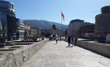 E ardhmja e vendit, shqiptarët më optimist se maqedonasit