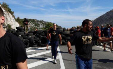 """Të gjithë """"në këmbë""""! Mali i zi përfshihet nga protestat e dhunshme (FOTO LAJM)"""