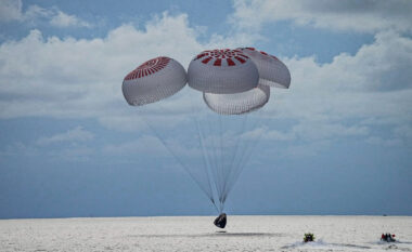 SpaceX: Pas tre ditësh, astronautët amatorë kthehen në Tokë