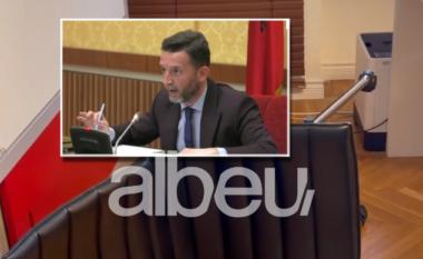 """""""Nuk hyra dhe nuk dola si hajdut"""", Erion Braçe lë zyrën e zv.kryeministrit dhe përmbys karrigen (VIDEO)"""