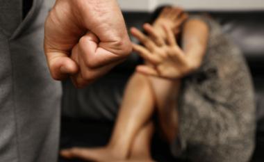 Goditi me mjete të forta një grua, prangoset 43-vjeçari në Tiranë