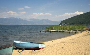 Doli me varkë, mbytet 45-vjeçarin në Liqenin e Prespës