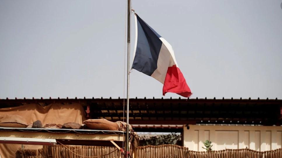 Franca tërheq ambasadorët nga SHBA dhe Australia pas paktit të ri