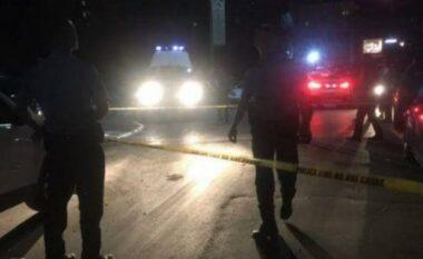 Aksident në Tiranë, përfshihen dy makina, lëndohet kalimtari