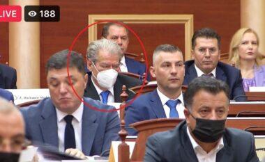 Përfundoi në radhët e fundit, kush është demokrati që i zuri vendin e Berishës në Kuvend (FOTO LAJM)