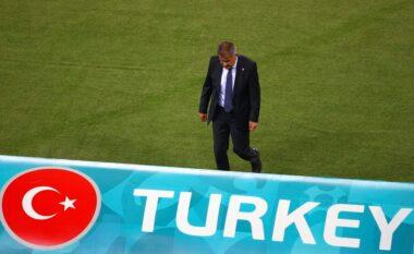 U shkatërrua nga Holanda, Turqia shkarkon trajnerin e njohur