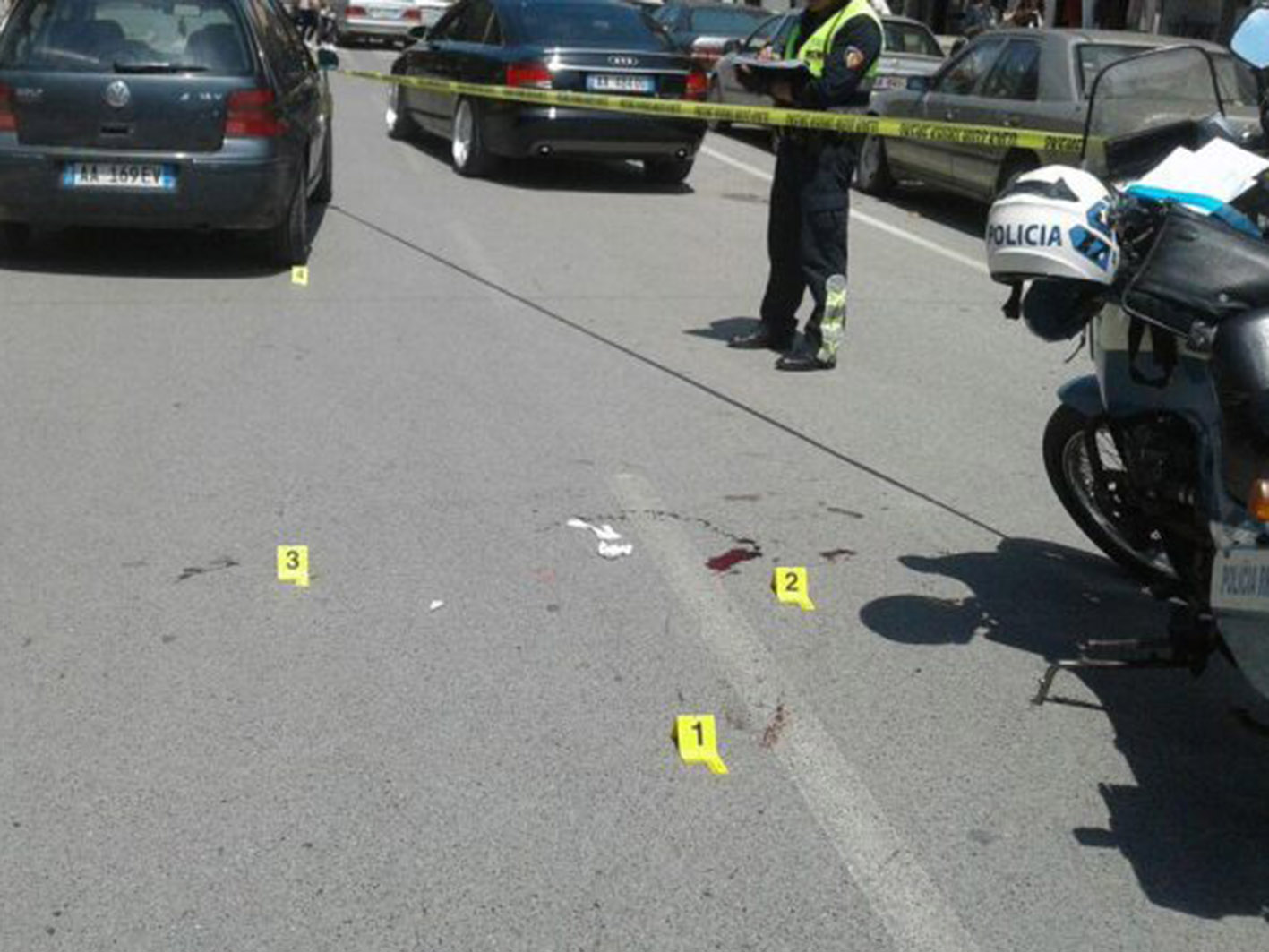 Aksident me vdekje në Tiranë, kamioni përplas biçikletën e i merr jetën qytetarit