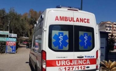 Tragjike në Elbasan, fëmija bie nga kati i 6-të i banesës, humb jetën