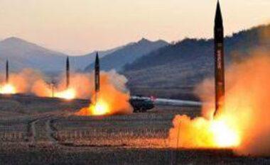 Trondit John Bolton: Talebanët mund të marrin kontrollin e 150 armëve bërthamore