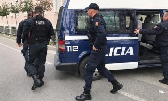 """3 shtetas në pranga në Tiranë, mes tyre edhe gruaja që bëri """"namin"""" në qendrën tregtare"""