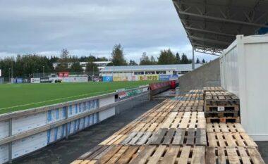 U shpall kampion pas 30 vitesh, klubi detyrohet të sajojë ulëse për tifozët me paleta druri (FOTO LAJM)