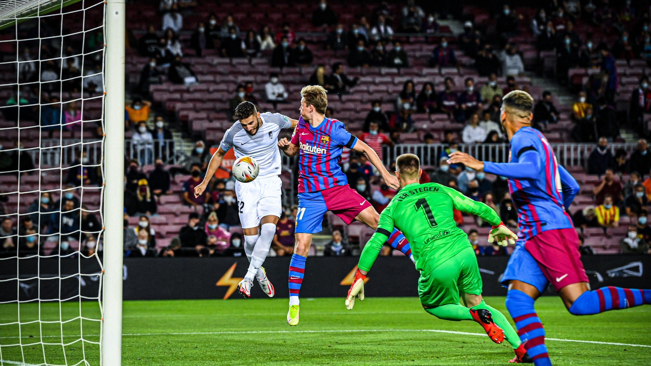 """Barcelona shpëton nga """"turpi"""" në shtesë, vetëm 1 pikë ndaj Granadas në Camp Nou (VIDEO)"""