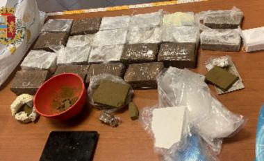 7 kg drogë të fshehura në mur, detaji që tradhëtoi shqiptarin në Itali (VIDEO)