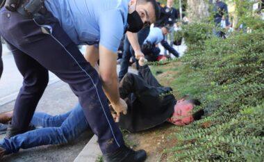 """""""Policia përdori dhunë të madhe ndaj aktivistëve"""" (FOTO LAJM)"""