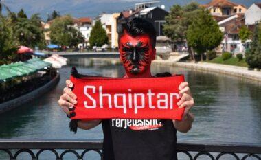 """""""Lewandowski do të hajë kallamin në Shqipëri"""" intervista e tifozit po bën xhiron e rrjetit (VIDEO)"""
