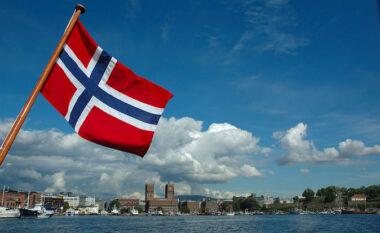 """Pas Danimarkës, një tjetër vend i jep """"fund luftës"""" me Covid"""