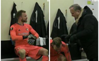 Portieri i Feyenoord përplaset keq me Dick Advocaat (VIDEO)