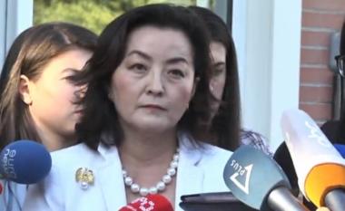 Ambasadorja Kim: Ndava me Bashën atë që mësova në Uashington