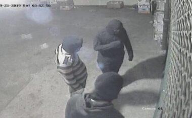 Dalin pamjet e grabitjes në Çair (VIDEO)