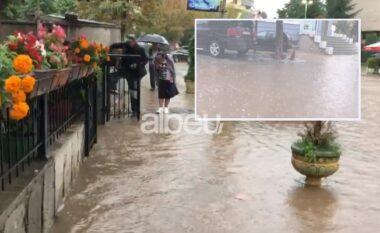 Rreshjet e shiut shkaktojnë përmbytje në Kukës, rrëshqitje dheu në disa qytete (VIDEO)
